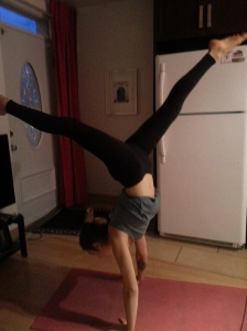 I am obsessed with handstand
